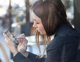 single woman using dating app
